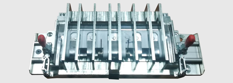 narzędzie-mocujace-probki-do-ciecia-metalu-na-maszynie-brillant-250